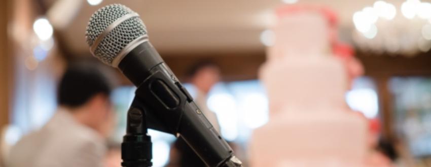 結婚式のスピーチをする上司が抑えておきたいコツ 例文 ビジネス